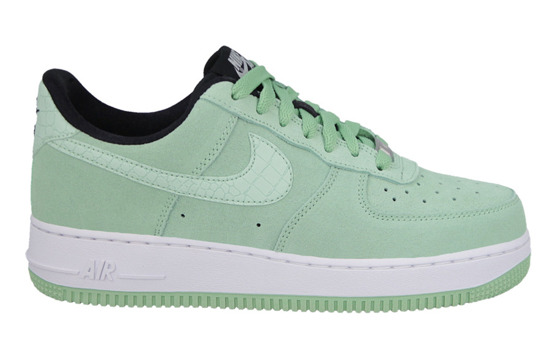 BUTY NIKE AIR FORCE 1 '07 SEASONAL 818594 300